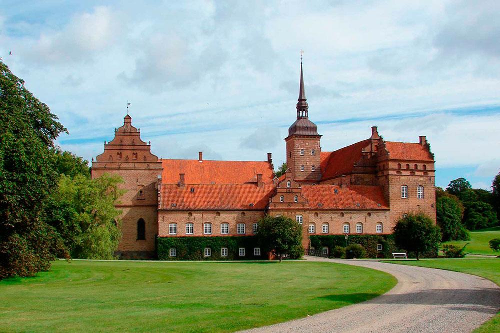 Holckenhavn Slot